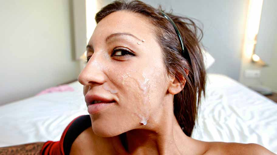 Spanish slut gets a nice facial