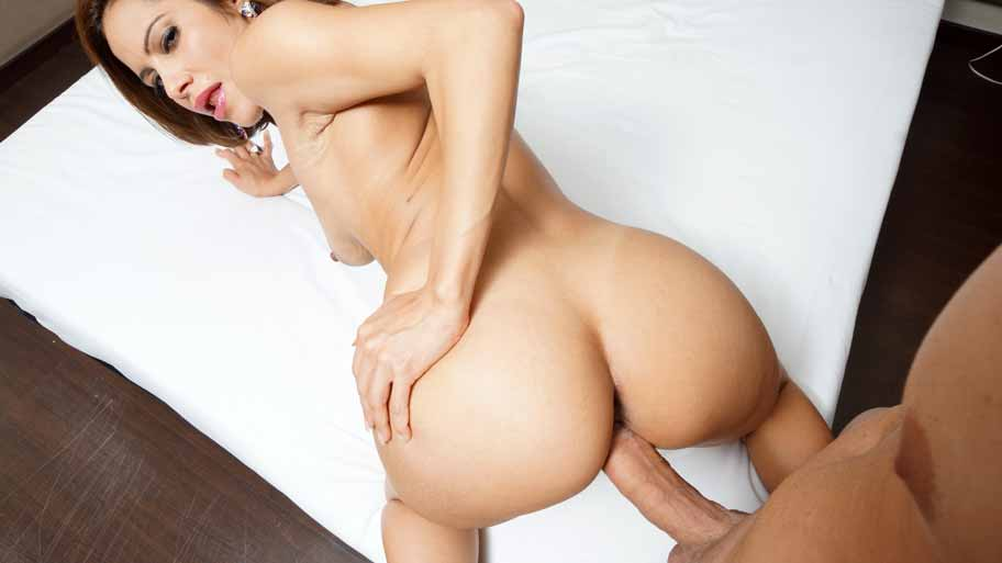 Brazilian cougar riding on POV