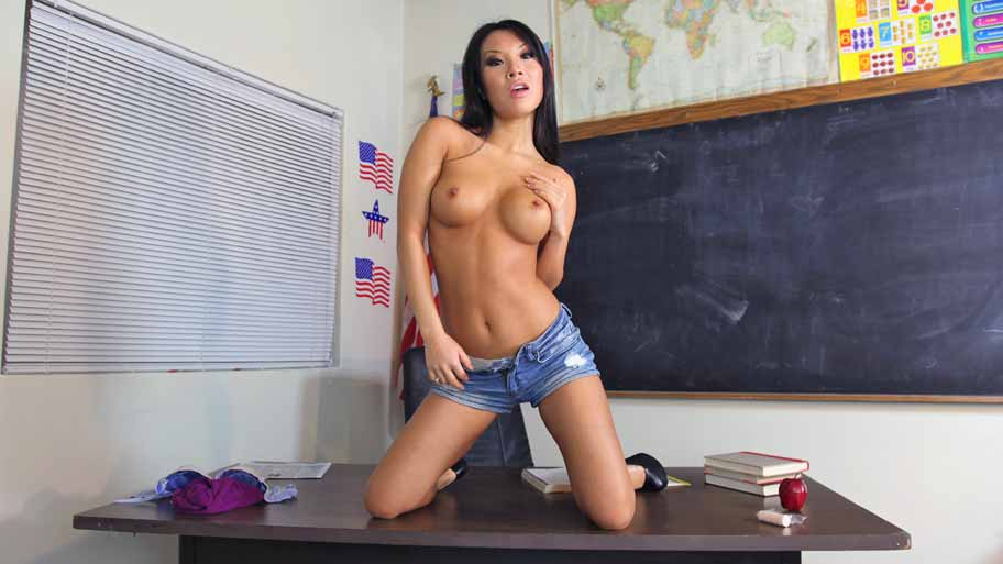 Asa Akira learns Spanish sucking cock