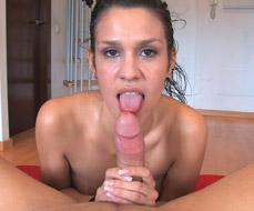 Samia Duarte -  Samia wants it all over her face.
