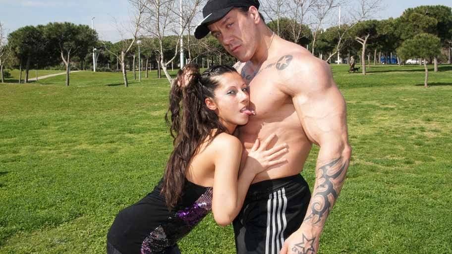 Sexy Latina fucked by a Bodybuilder