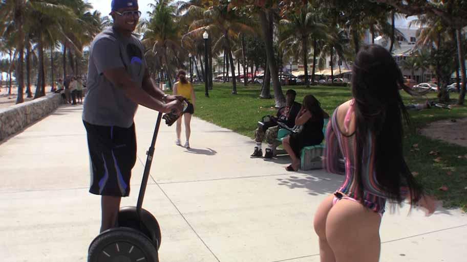 Latina Flasher on Miami Beach